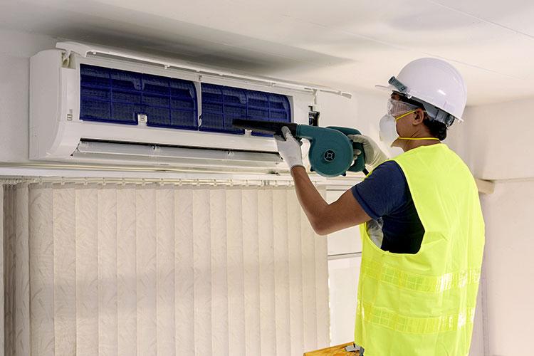 Window & Split AC Repair & Gas Filling Service in DLF Phase 1 Gurgaon